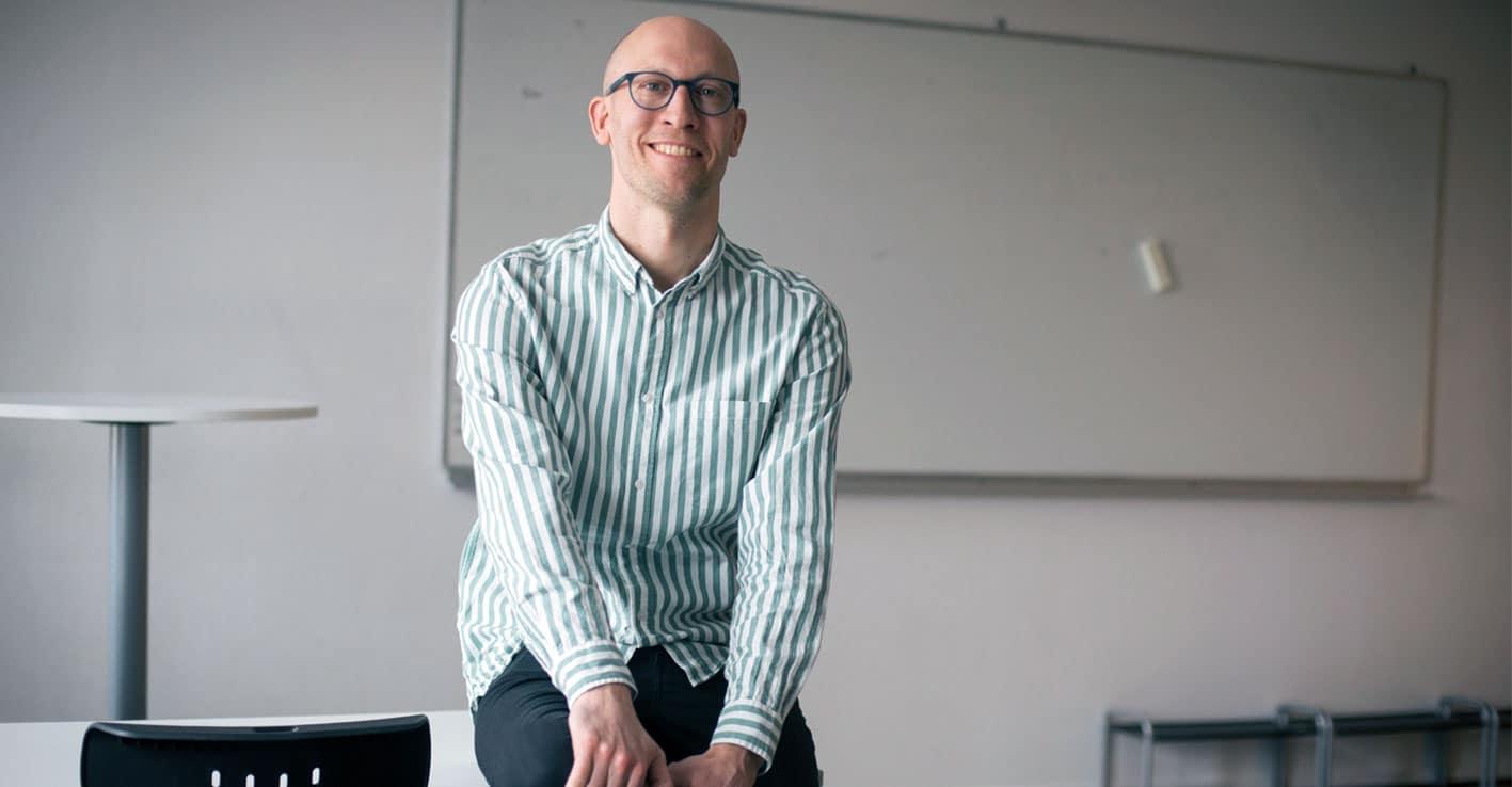 Linus Österholm i klassrummet