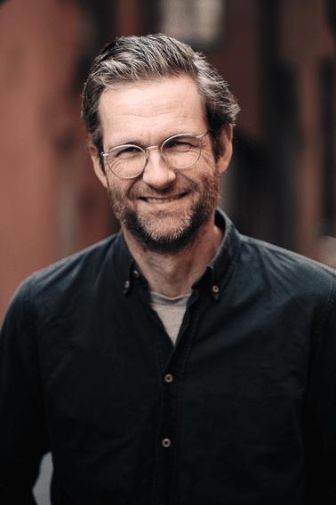 Kalle Dixelius är kursledare för Bli en bättre vardagsskribent